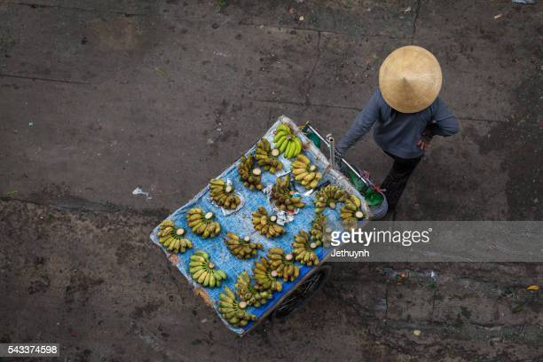 banana fruit street vendor - poor service delivery stock pictures, royalty-free photos & images