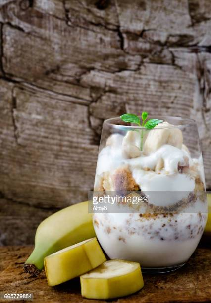 Banana yoghurt coctail