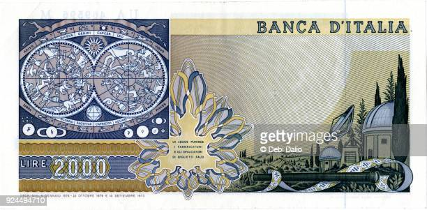 banca d'italia 2000 lire galileo note back - italian currency stock pictures, royalty-free photos & images