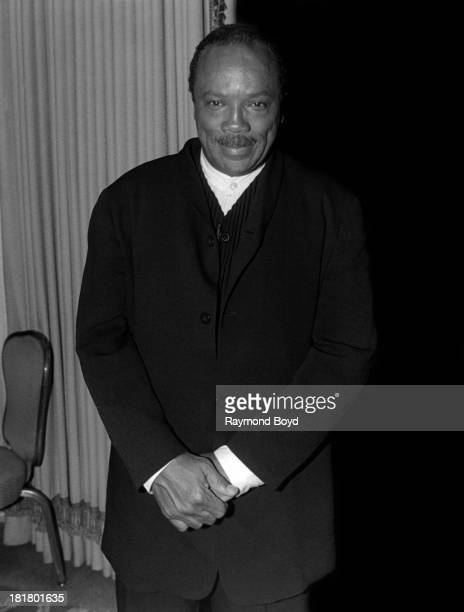 Band leader and producer Quincy Jones poses for photos at the Ritz Carlton Hotel in Chicago Illinois in SEPTEMBER 1995