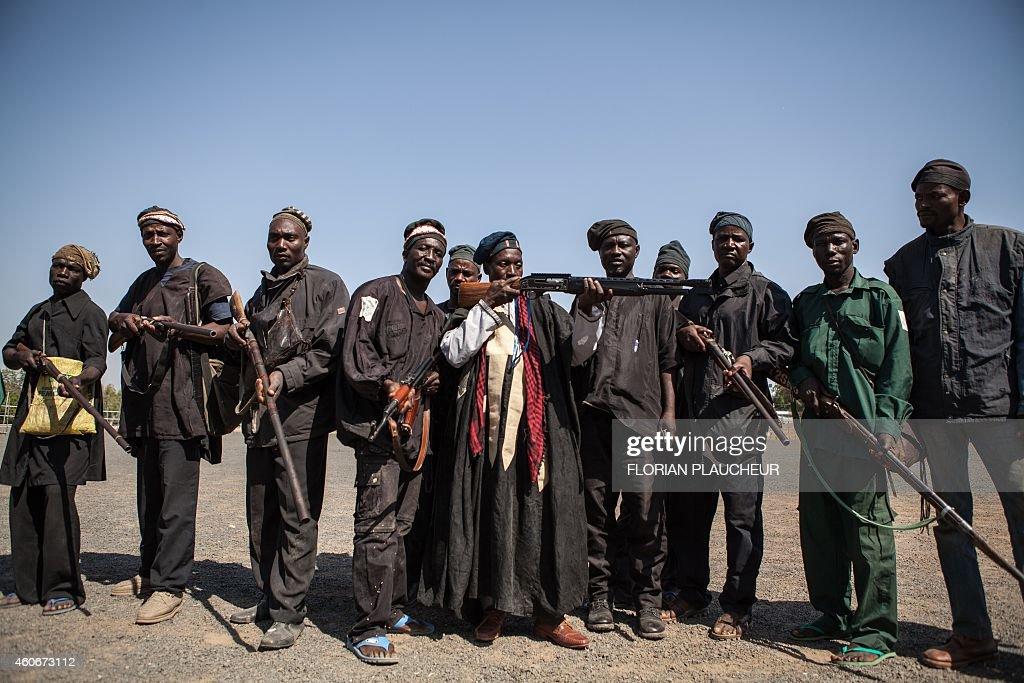NIGERIA-UNREST-HUNTING-BOKO HARAM : News Photo