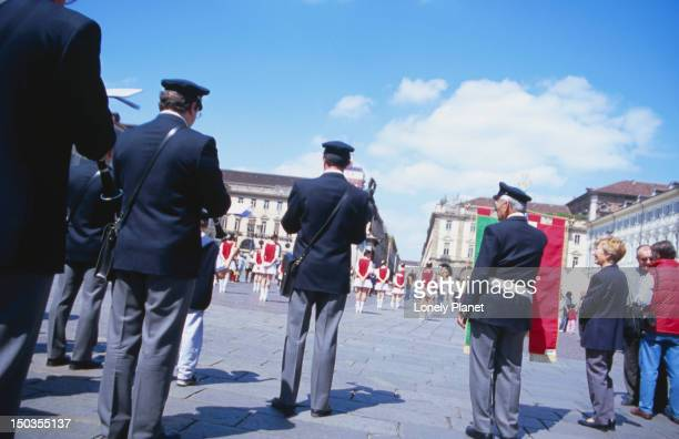 band playing at piazza san carlo. - piazza san carlo stock pictures, royalty-free photos & images