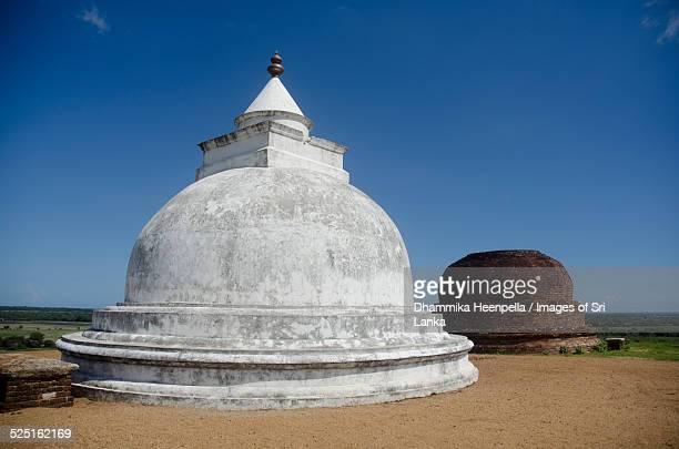 Bandagiriya twin stupas