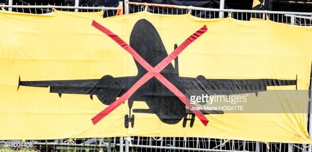 Banderole d'opposants contre la construction de l'aéroport 9 juillet 2016 NotreDamedesLandes LoireAtlantique France