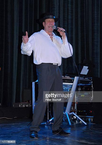 """Bandleader Tom Robbins, Geburtstags-Party zum 70. Geburtstag von T O N Y M A R S H A L L, """"Kurhaus Baden-Baden"""", Baden-Württemberg, Deutschland,..."""