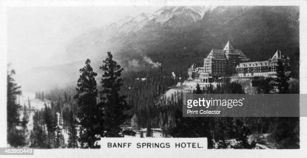 Banff Springs Hotel Alberta Canada 20th century Cigarette card produced by the Westminster Tobacco Co Ltd Canada 1st series