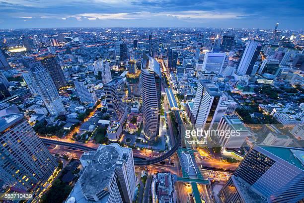 bangkok business district - シーロム ストックフォトと画像