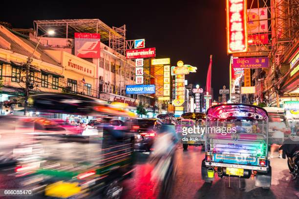 bangkok chinatown traffic at night - bangkok province stock pictures, royalty-free photos & images