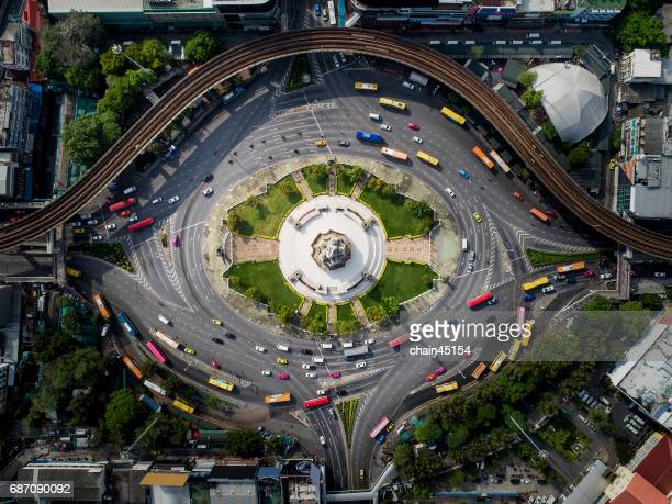 bangkok city in thailand from top view at victory monument - wissenschaft und technik stock-fotos und bilder