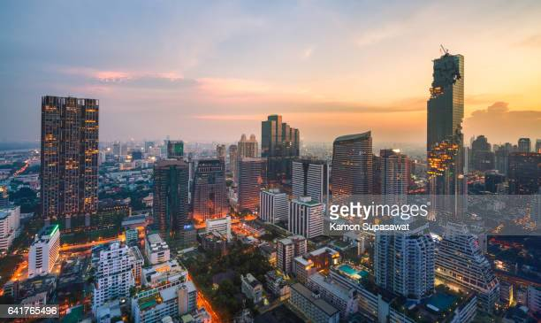 bangkok cityscape with golden light time scene with the tallest building in thailand - シーロム ストックフォトと画像