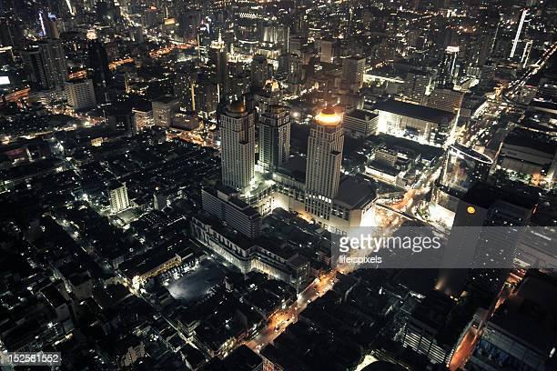 bangkok metropolis at night - lifeispixels stock pictures, royalty-free photos & images