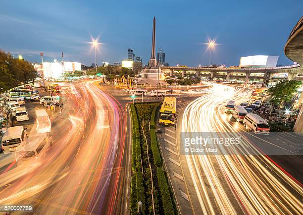 bangkok rush - emerging markets stock photos and pictures