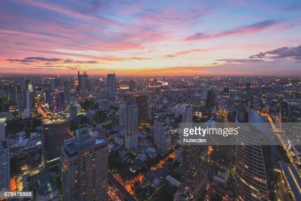 bangkok skyline - シーロム ストックフォトと画像