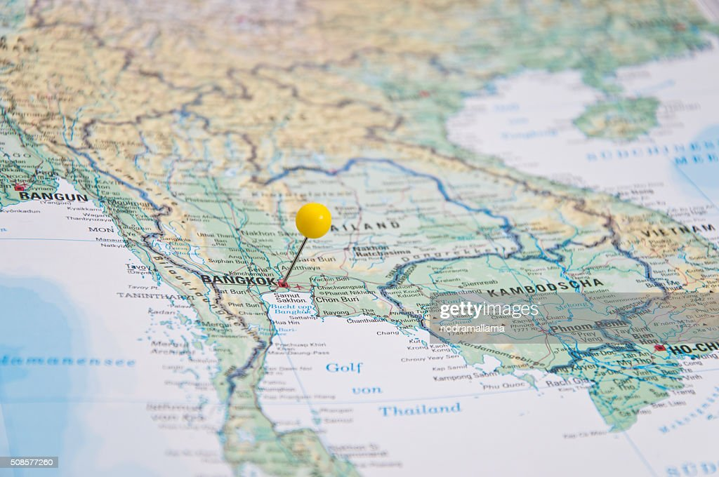 Bangkok, Thailand, Yellow Pin, Close-Up of Map. : Bildbanksbilder