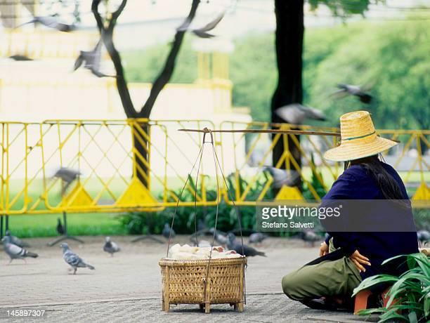 Bangkok, venditrice ambulante