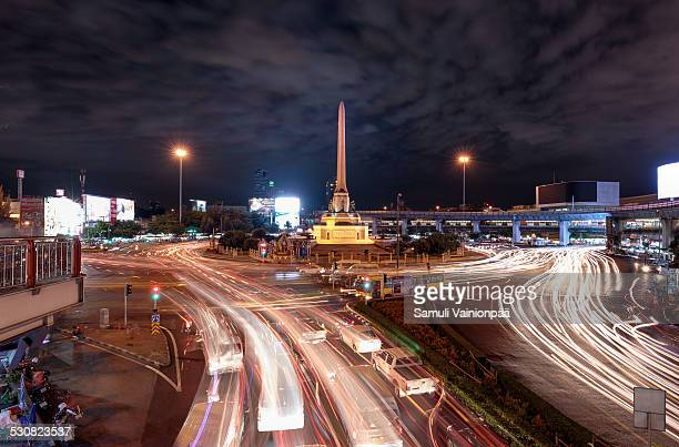 bangkok victory monument - emerging markets stock photos and pictures
