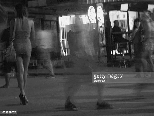 bangla road nightlife, patong thailand - hoeren stockfoto's en -beelden