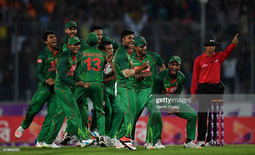 Bangladesh v England - 2nd One Day International : News Photo