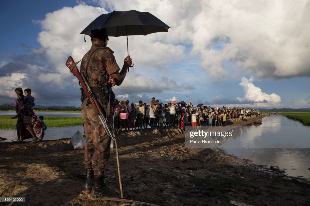 Rohingya Refugees Flood Into Bangladesh : News Photo
