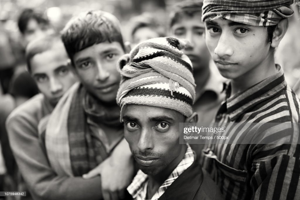 Bangladesh, porters in Mymensingh : Stock-Foto