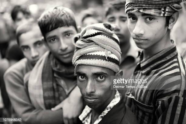 bangladesh, porters in mymensingh - dietmar temps stock photos and pictures