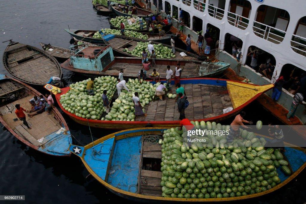 Bangladesh Economy and Society : News Photo