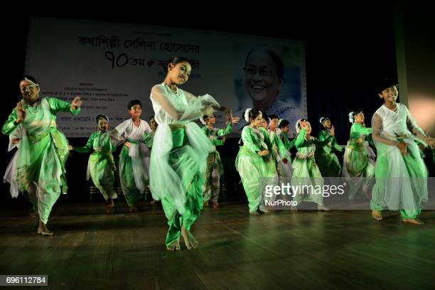 60 Top Artist Workers In Dhaka Pictures, Photos and Images