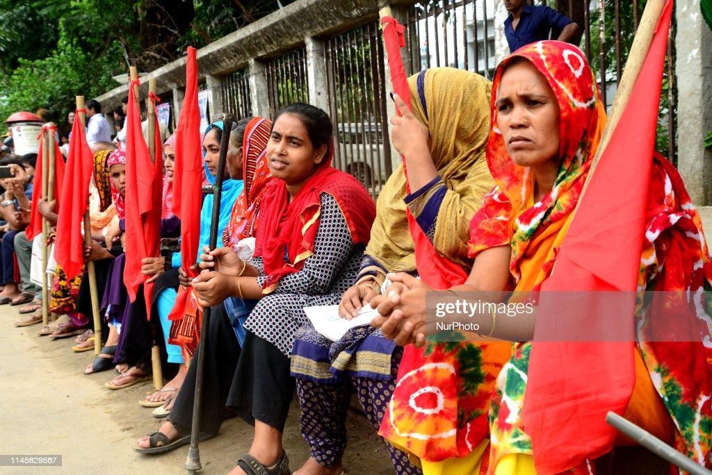 Bangladeshi garment workers demonstrate in Dhaka, Bangladesh