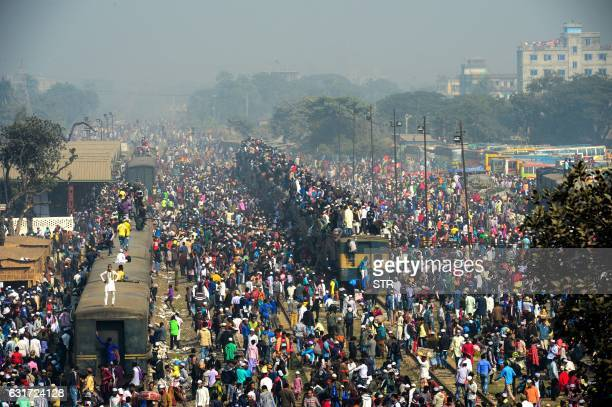 Bangladeshi Muslim devotees arrive on a crowded train to take part in Akheri Munajat or final prayers at the Biswa Ijtema or World Muslim...
