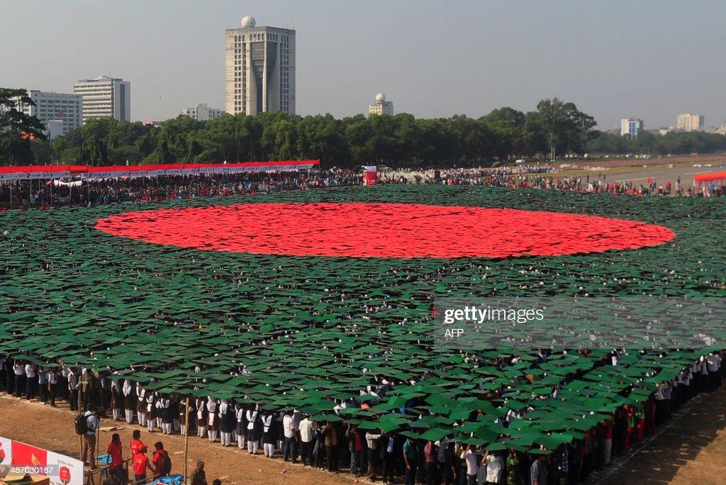 BANGLADESH-ANNIVERSARY-VICTORY DAY-FLAG : News Photo