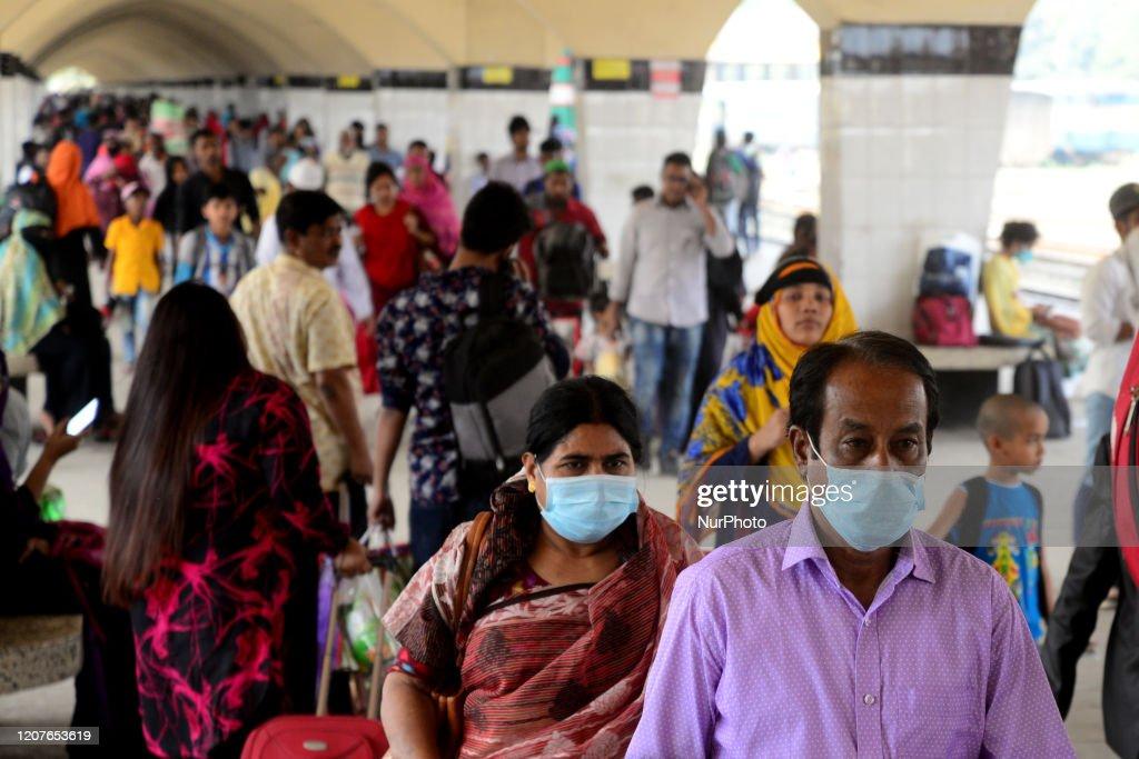 Bangladesh Reports First Coronavirus Death : News Photo