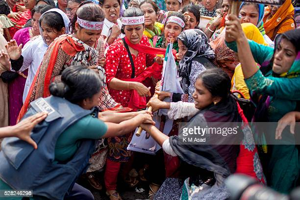 Bangladeshi Police use force to scatter protesting nurses in Dhaka March 30 2016 Bangladesh More than 350 hundred unemployed nurses blocked the...