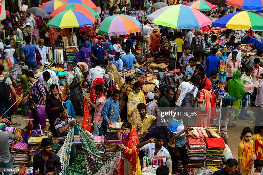 Beautiful Bangladesh Eid Al-Fitr Feast - bangladeshi-shoppers-visit-a-market-one-week-into-the-month-of-and-picture-id540082708  Collection_389380 .com/photos/bangladeshi-shoppers-visit-a-market-one-week-into-the-month-of-and-picture-id540082708