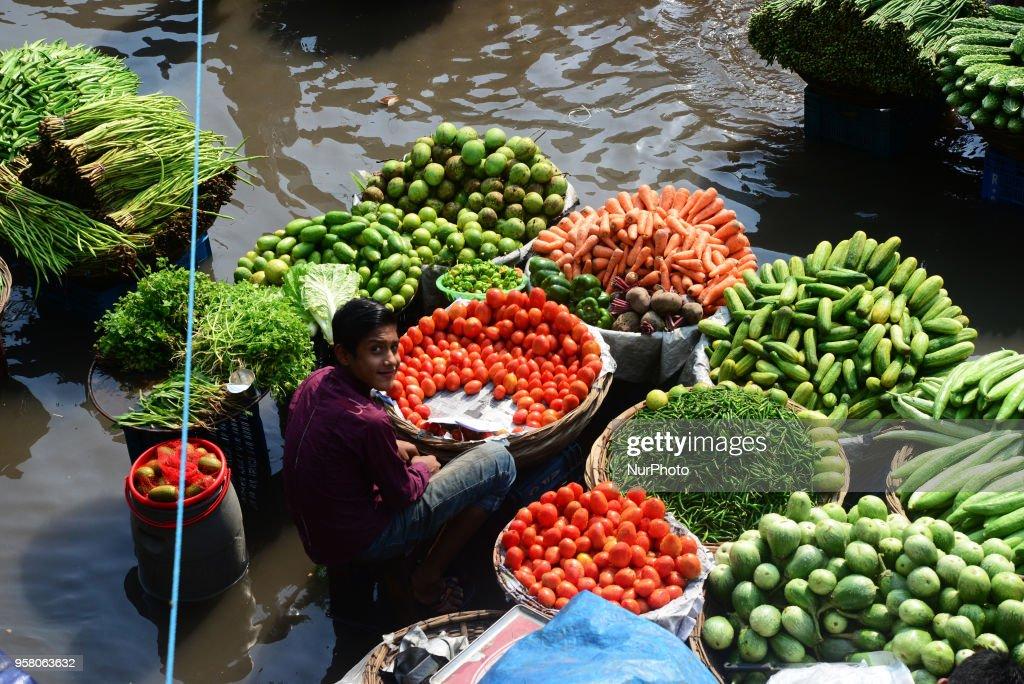 Waterlogged Bazar In Dhaka : News Photo