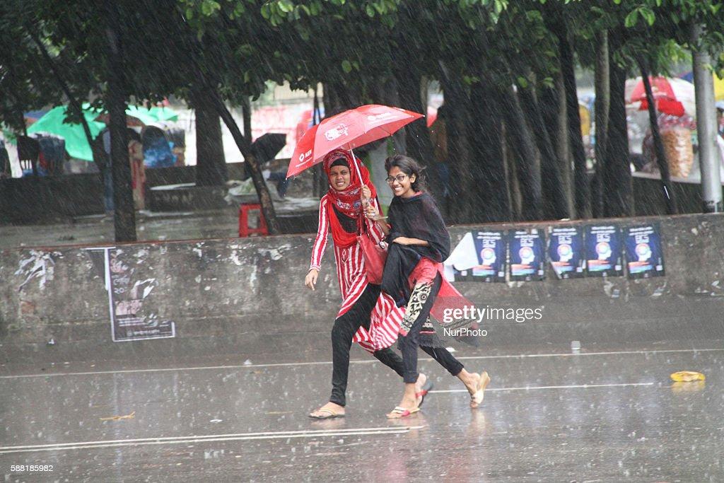 Rain falls in Dhaka : News Photo