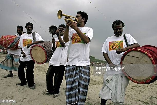 Bangladesh-media-agriculture-games,FEATURE by Helen Rowe Bangladeshi musicians entertain the crowd during filming of the television game show...