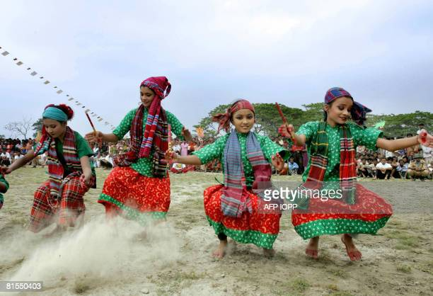 Bangladesh-media-agriculture-games,FEATURE by Helen Rowe Young Bangladeshi girls perform a traditional dance as part of the television game show...