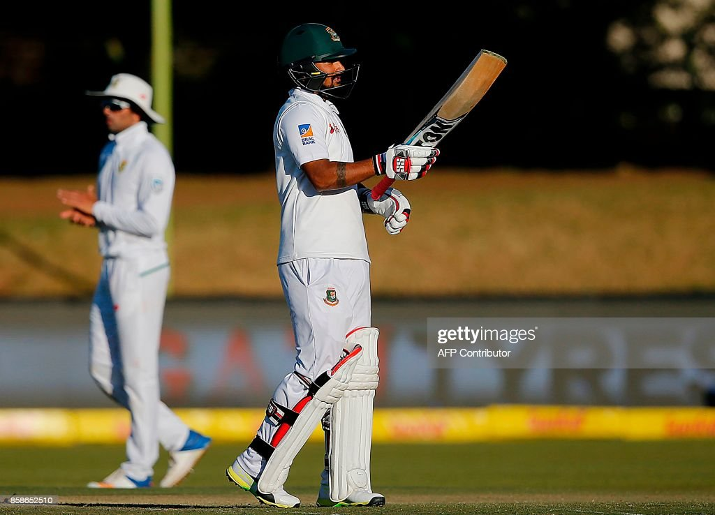 Bangladesh's batsman Liton Das acknowledges tbe crowd as he celebrates after scoring a half-century (50 runs) during the second day of the second Test cricket match between South Africa and Bangladesh in Bloemfontein on October 7, 2017. /