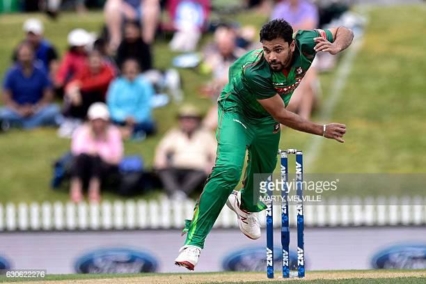 Bangladesh's Mashrafe Mortaza bowls during the second oneday international cricket match between New Zealand and Bangladesh at the Saxton Oval in...