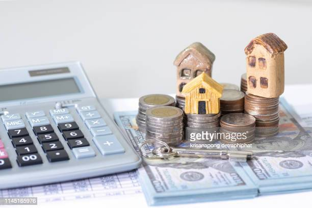 bank calculates the home loan rate - inexpensive stock photos and pictures