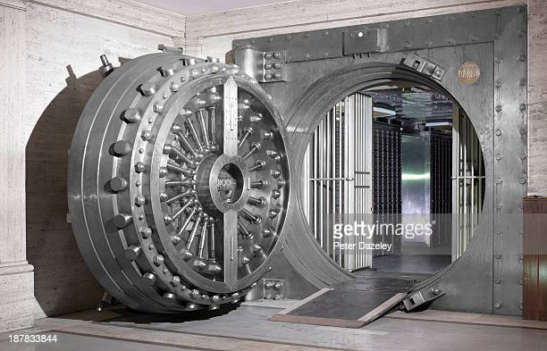 bank vault - safety stock pictures, royalty-free photos & images
