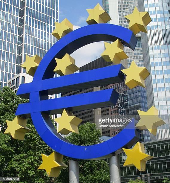Bankenviertel District Euro Statue (Frankfurt, DE)