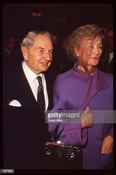 Banker David Rockefeller and his wife attend a memorial service for broadcasting executive William Paley November 12 1990 in New York City Paley...