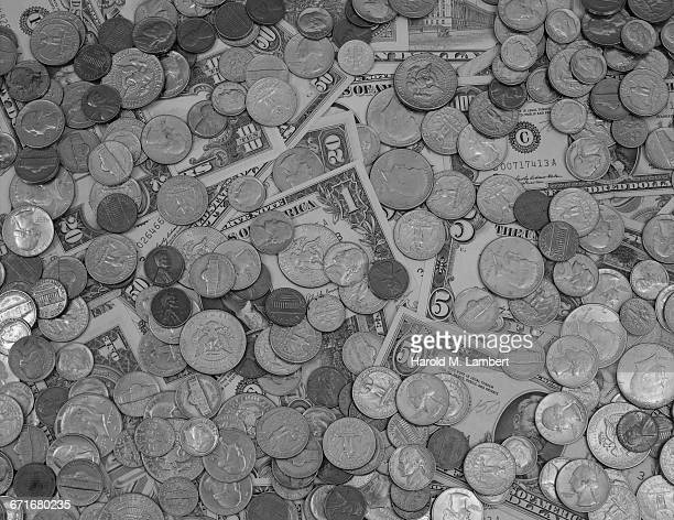""" banknotes and coins, close-up"" - {{ collectponotification.cta }} foto e immagini stock"