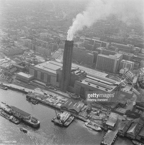 Bankside Power Station on the bank of the River Thames in Southwark, London, UK, June 1966. The power station was later decommissioned and became the...