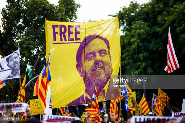 Banner claiming the freedom of Oriol Junqueras during the demonstration of Independence political parties and independence assosiations against the...