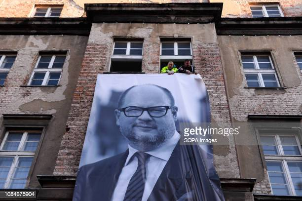 Banner of Pawel Adamowicz portrait seen during the mourning period at the old town Pawel Adamowicz the mayor of the Polish city of Gdansk was...