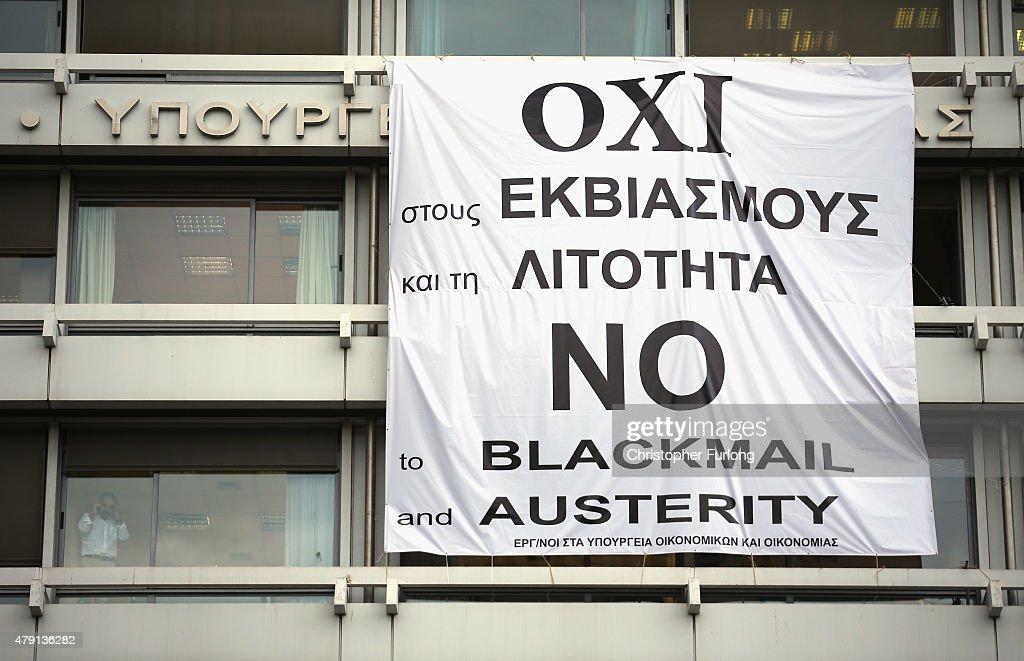 Greek PM Urges A No Vote In Sunday's Referendum As Greek Economic Crisis Deepens : Fotografía de noticias