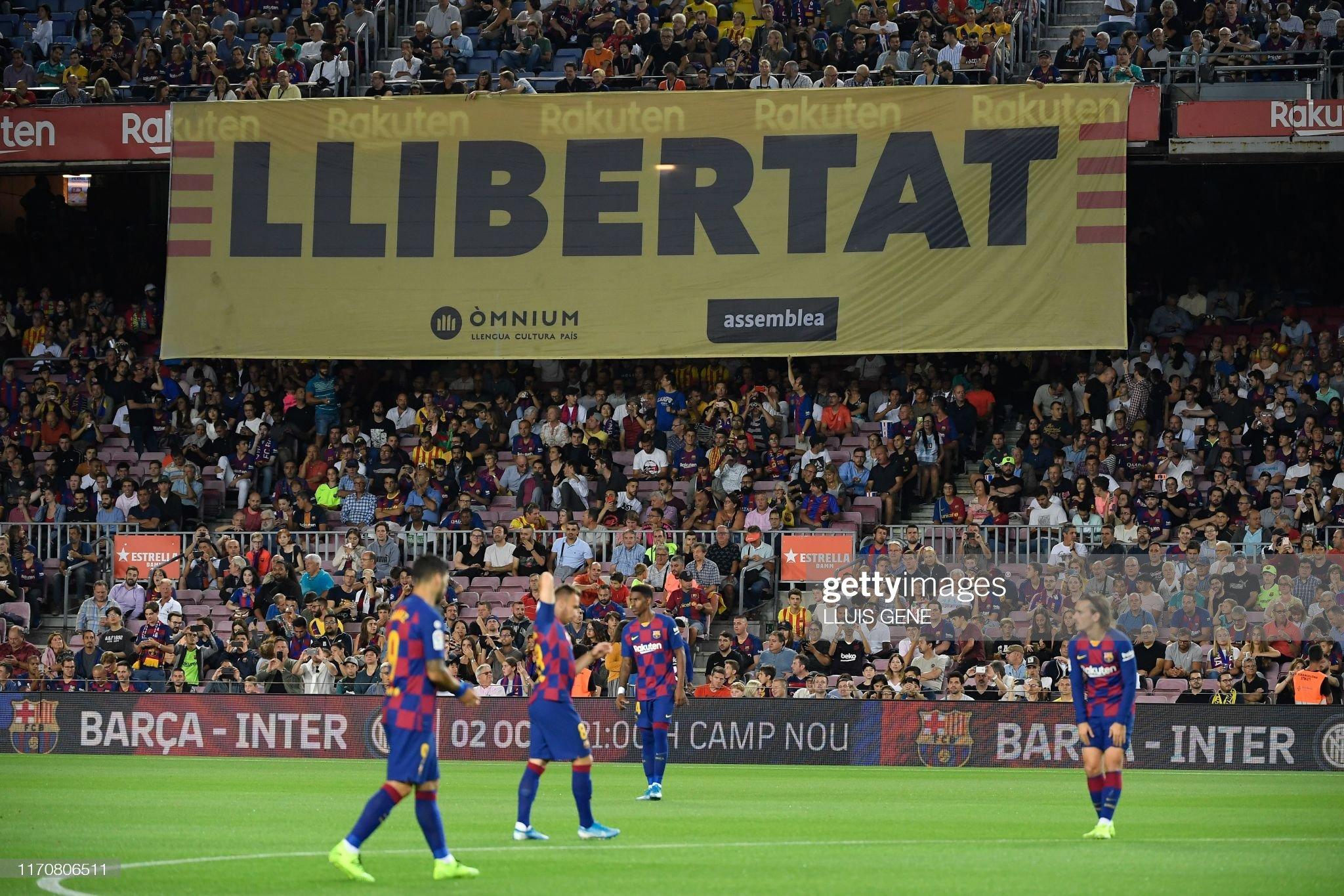 صور مباراة : برشلونة - فياريال 2-1 ( 24-09-2019 )  Banner-with-the-word-llibertat-is-displayed-on-the-stands-during-the-picture-id1170806511?s=2048x2048