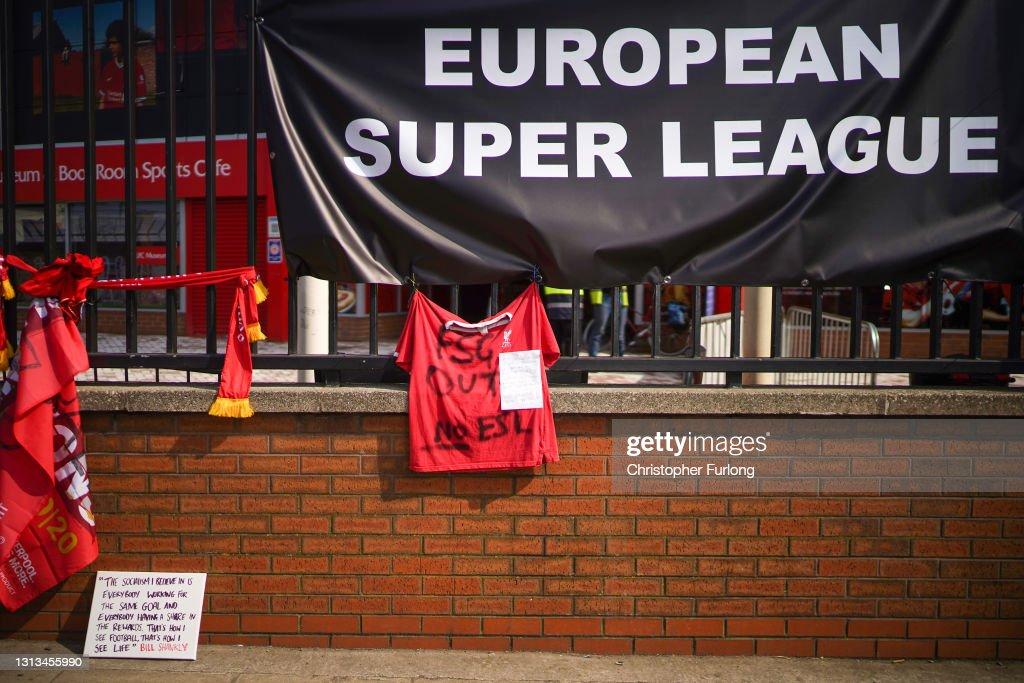 Fans Respond To News Of Football Super League : Nachrichtenfoto